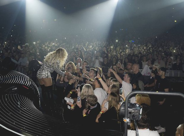 Beyonce Meets Fans At Her Gig
