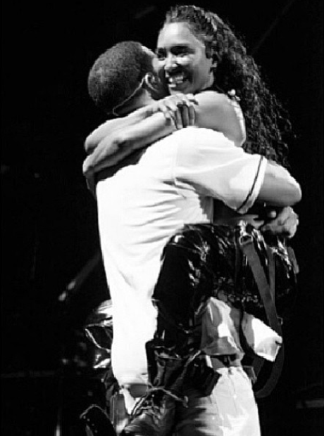 Drake Hug Chilli TLC Instagram