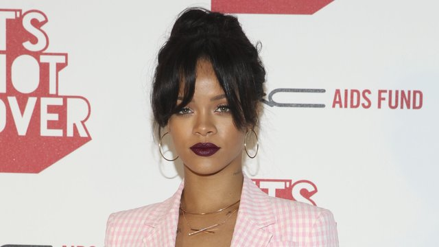 hu is rihanna dating 38m followers, 1,111 following, 2,382 posts - see instagram photos and videos from adrienne eliza houghton (@adriennebailon.