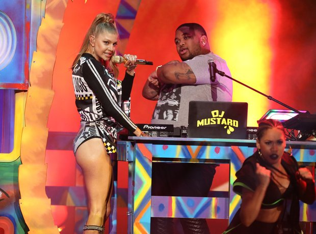 Fergie and DJ Mustard perform American Music Award