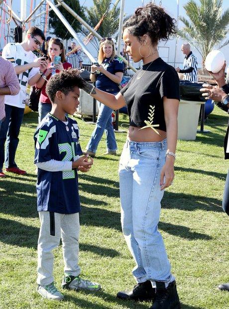 Rihanna Super Bowl 2015