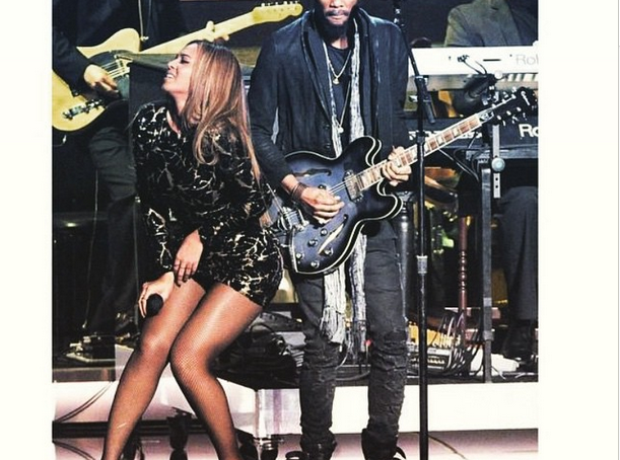 Beyonce performing at Stevie Wonder tribute show