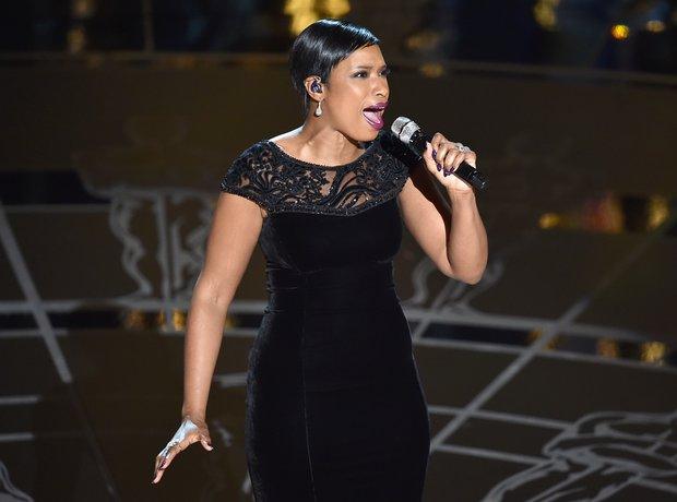 Jennifer Hudson performs at the Oscars 2015