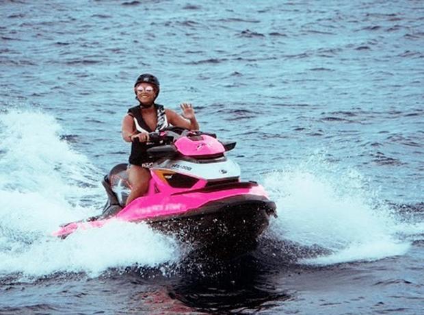 Beyonce jetskiing