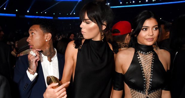 Kendall, Kylie Jenner American Music Awards 2015