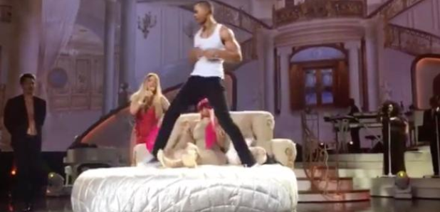 Mariah Carey strip tease on TV