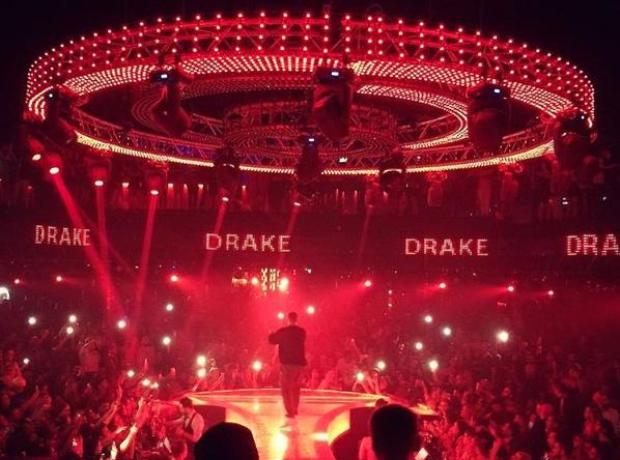Drake Performing in Dubai