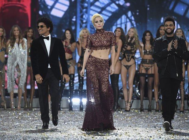 Victoria's Secret Fashion Show 2016 Performers